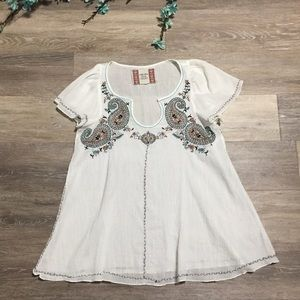 Chelsea & Violet Embroidered Bohemian White Top
